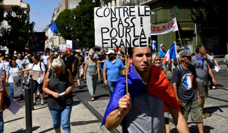 French protesters rally against COVID health pass