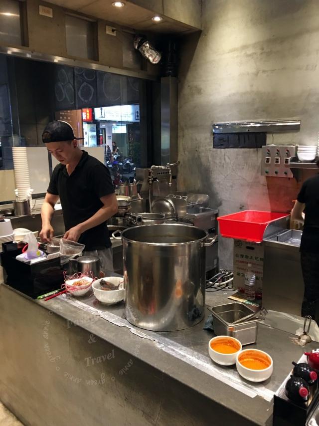 牛店牛肉麵,在西門町排隊的人氣美食@西門捷運站