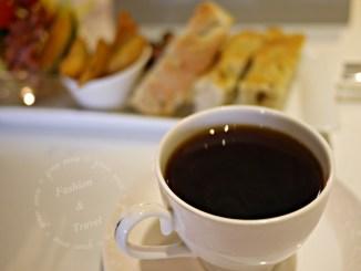 喝咖啡,Living with coffee台中南區不限時、有插座、有WIFI咖啡廳 @吳大妮。Annie