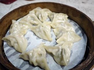 周旺蒸餃,現包蒸餃和夠味酸辣湯@士林捷運站 @吳大妮