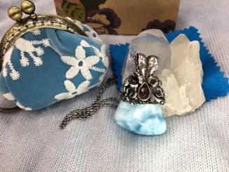JS Jewelry手做金工的夢幻飾品,療癒石拉利瑪(Larimar) @吳大妮。Annie