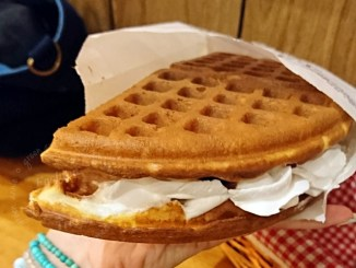 小木屋鬆餅,蘆洲家樂福也可以吃到台大有名美味鬆餅(已停業) @吳大妮