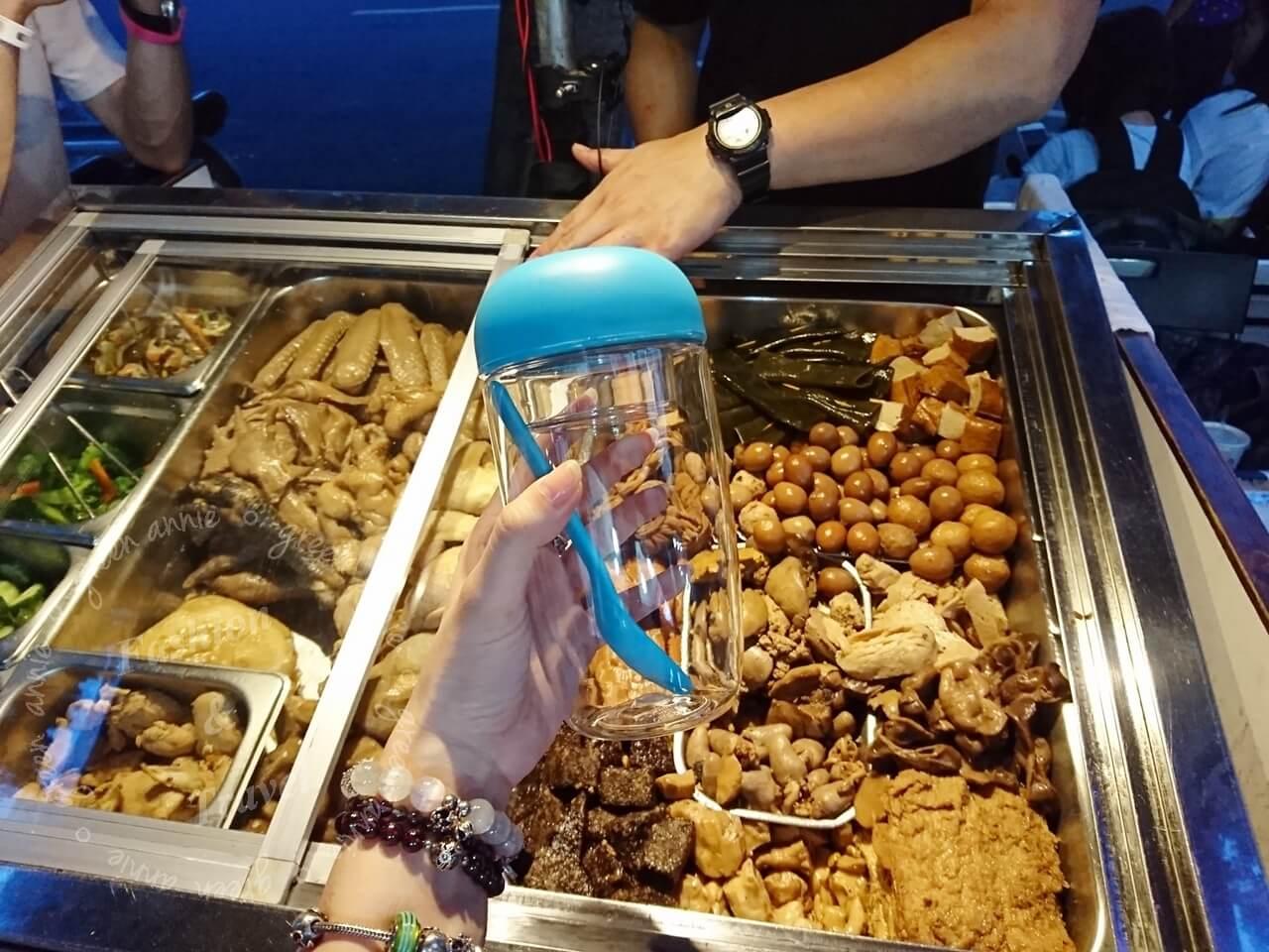 嗑鮮杯夏日樂搖沙拉杯 Tritan 660ml大容量,更輕巧更方便攜帶,通過美國FDA檢驗,SGS Taiwan耐熱測試