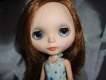 【小布娃娃】猜猜我是誰。。。 @吳大妮。Annie