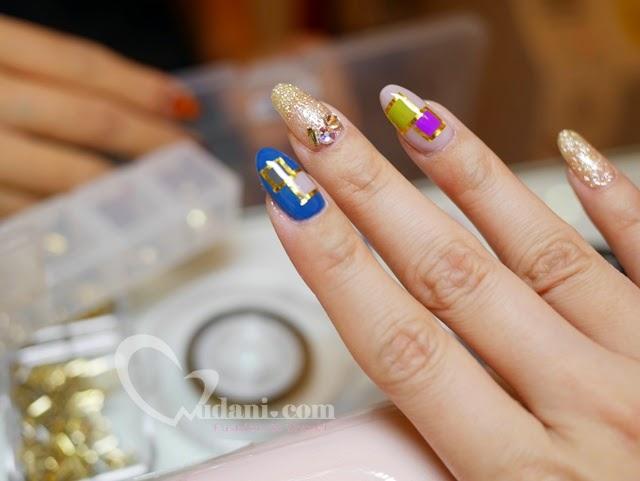 【美甲】用撞色,撞出最美的貴氣指尖@潔月兒 @吳大妮。Annie