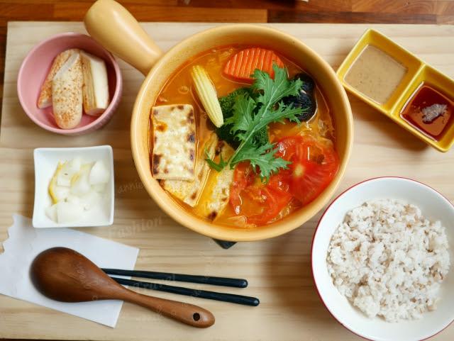 【台中南屯】青木和洋食彩 AOKI~口味清新美味~熱鍋鬆餅讓人一口接一口 @吳大妮。Annie