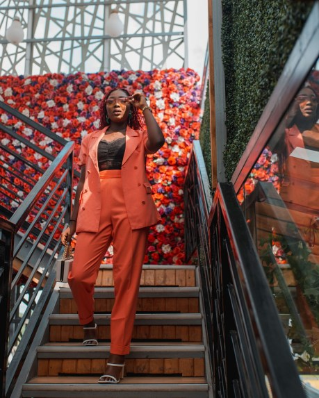 Holiday party outfit ideas Wumi Tuase(30)