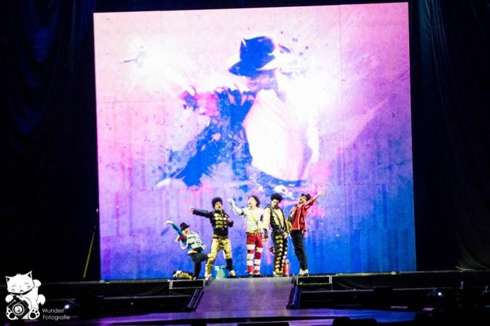 mj_cirque_18.jpg