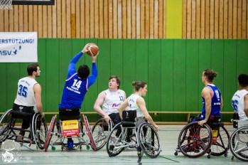 Der ASV Bonn gegen die BG Baskets Hamburg im 3. Heimspiel der Saison 2016/17. Foto: Steffie Wunderl