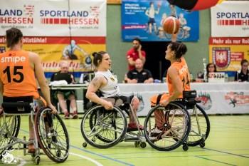 Die Damen aus den Niederlanden gewinnen das zweite Freitags-Spiel des World Super Cup 2018 gegen die deutschen Damen mit 32:41. Frankfurt, Skywheelers Dome.