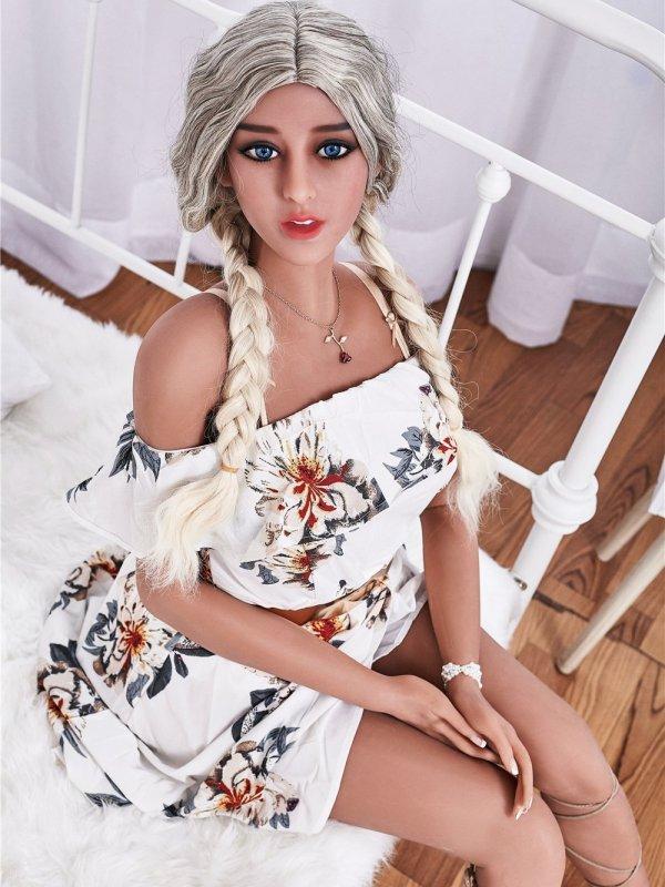 Maria 23