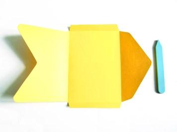DIY-carte-postale-brodee-gabarit-wundertute