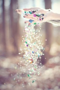 2 - glitter hands - wundertute