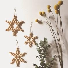 Flocons en perles de bois