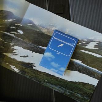 Mobilität: Saisonprogramm-Beihefter in Landkartenform für BMW Motorrad