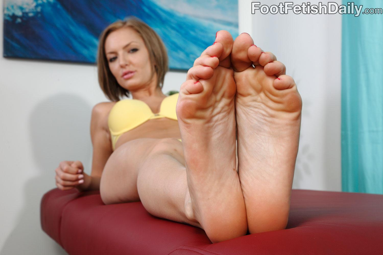 Wus Feet Links  Taylor Tildens Photos