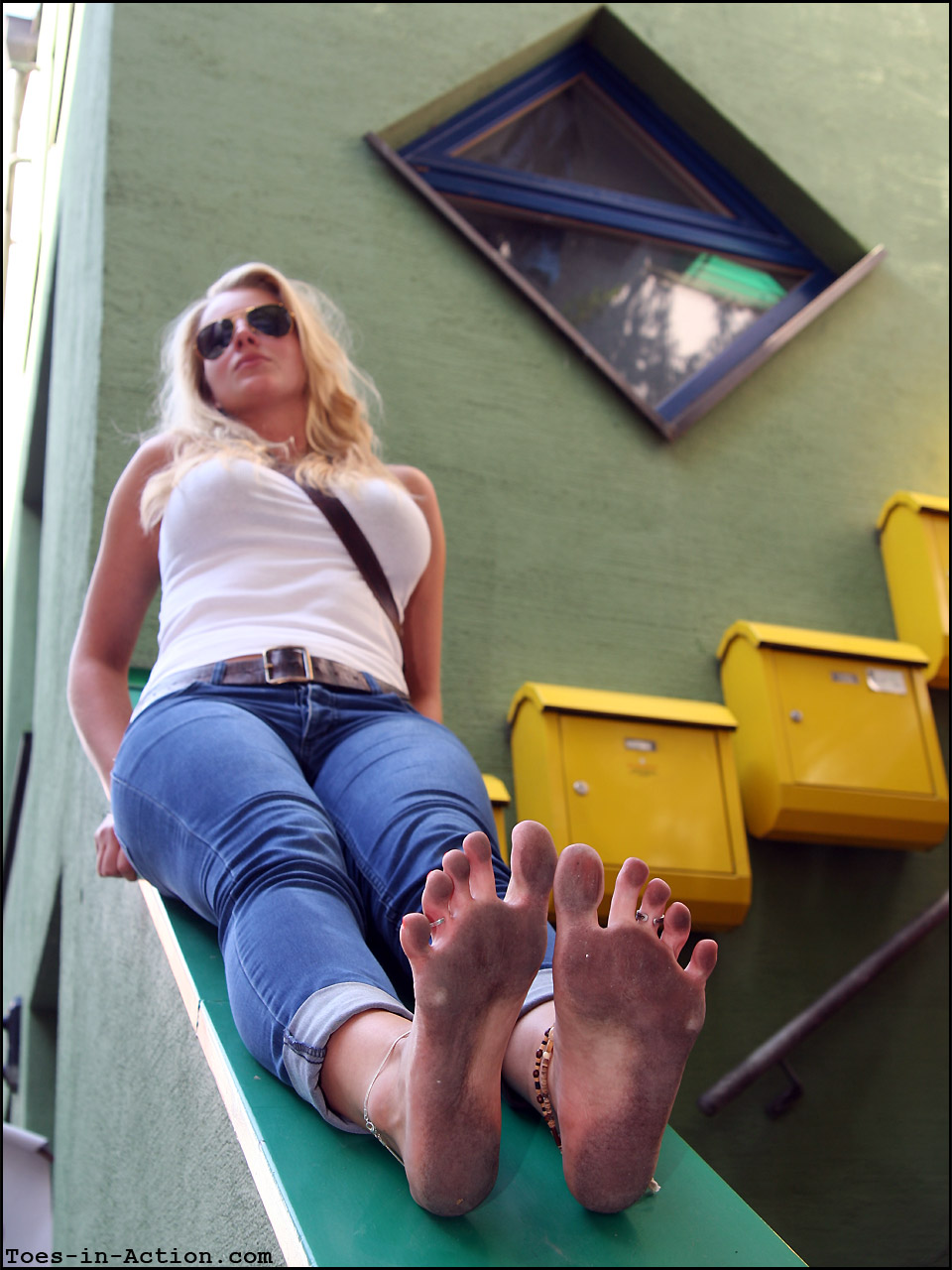Wus Feet Links  Barefoot in the City