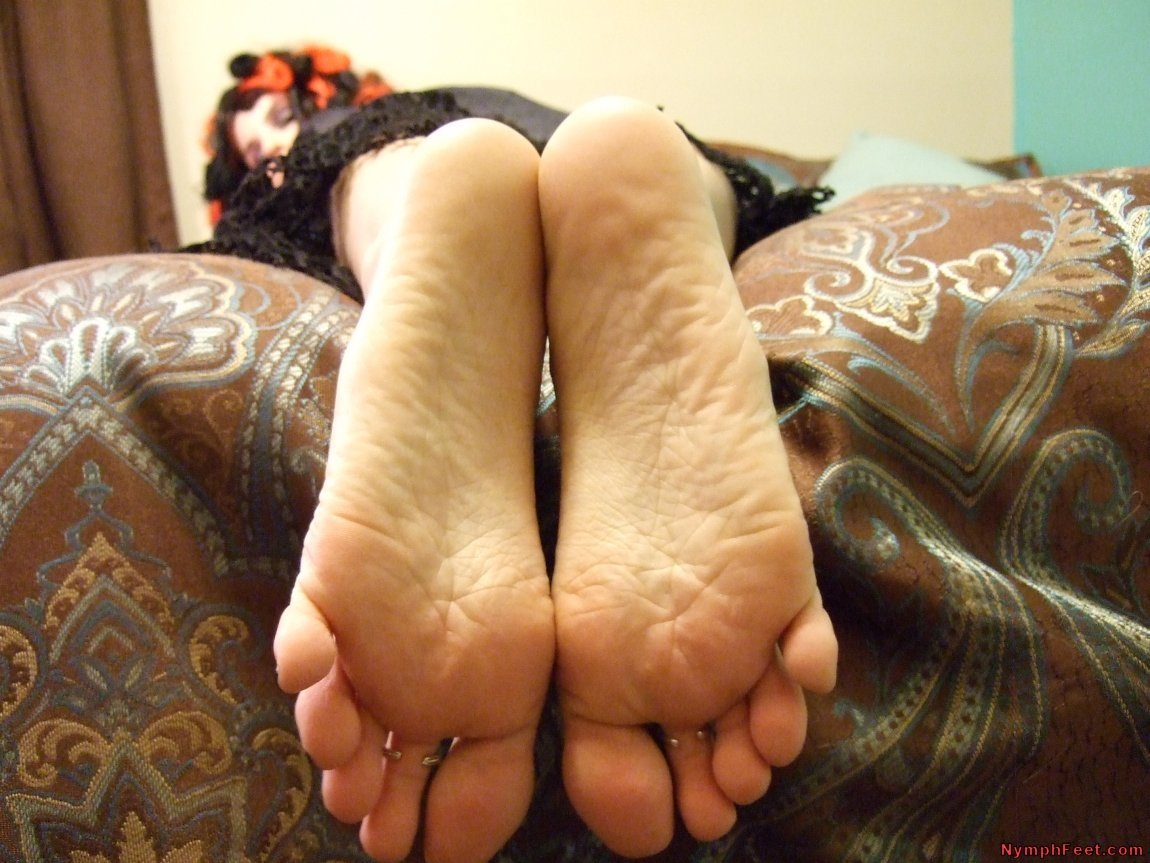 Wus Feet Links  AmberLilys Black Widow Feet