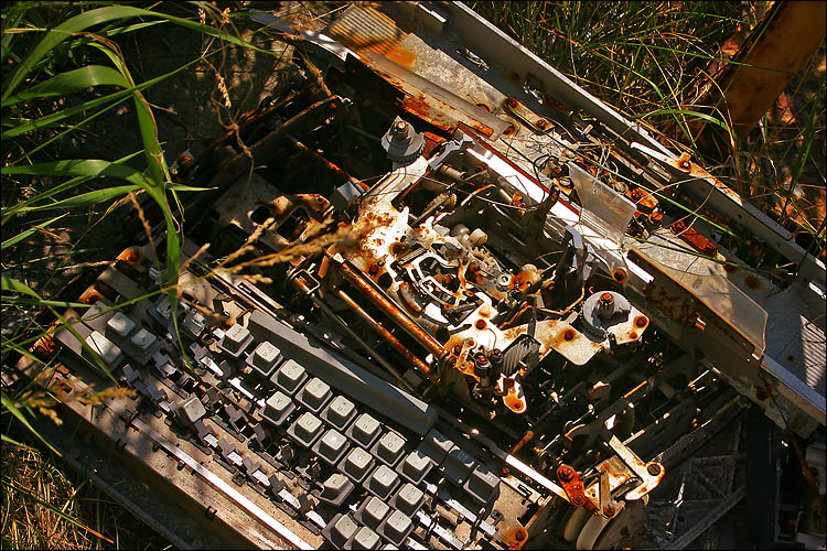 picture of old typewriter