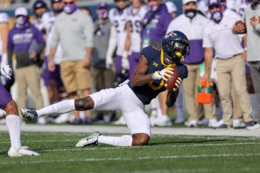 MORGANTOWN, WV - NOVEMBER 14: West Virginia Mountaineers wide receiver Bryce Ford-Wheaton (0) makes a catch during the first quarter of the college football game between the TCU Horned Frogs and the West Virginia Mountaineers on November 14, 2020, at Mountaineer Field at Milan Puskar Stadium in Morgantown, WV. (Photo by Frank Jansky/Icon Sportswire)