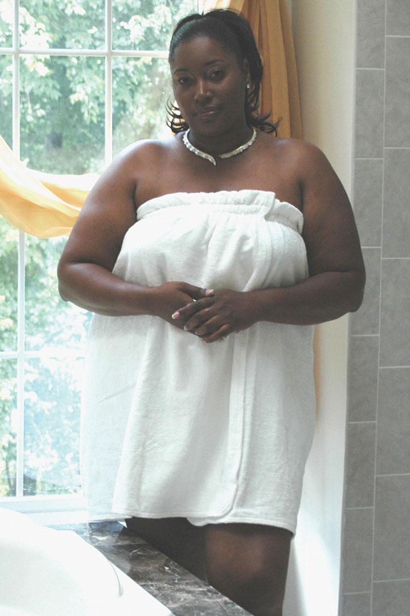 Voluptuous Woman Company Unveils Voluptuous Bath Wraps