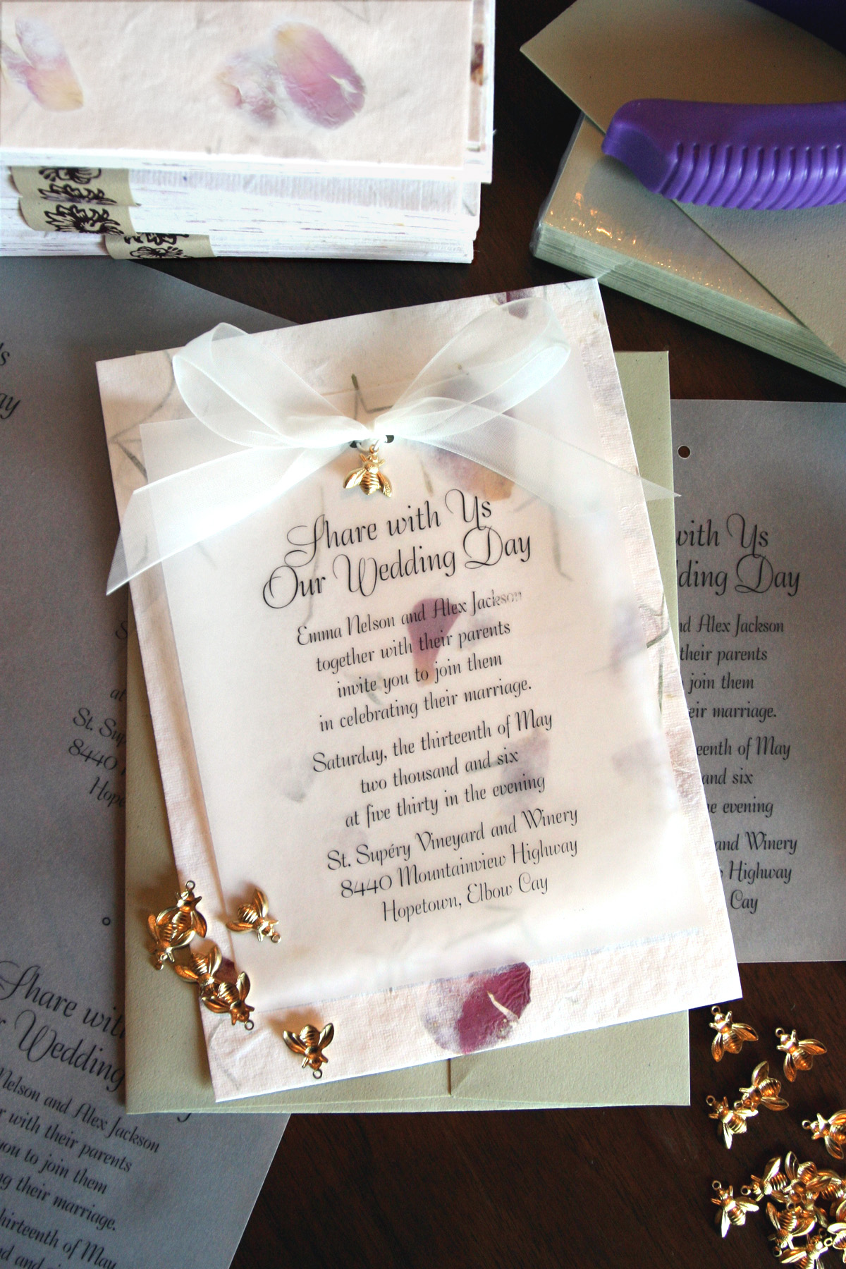 How to Create Wedding Invitations That Only Look Expensive