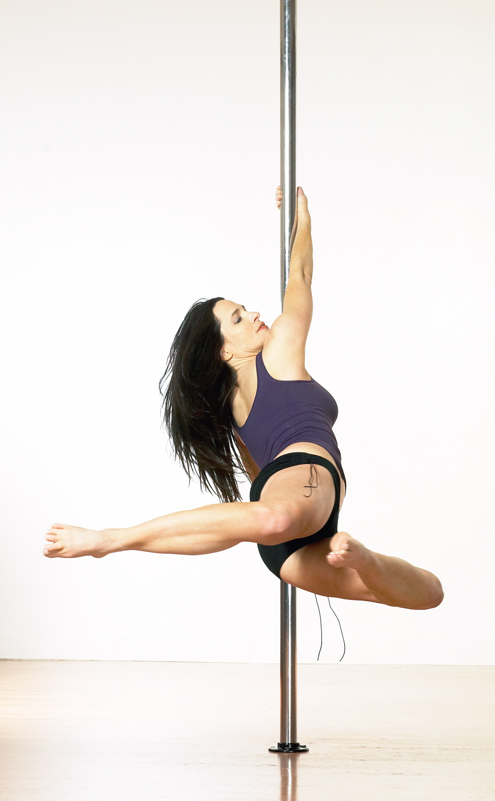 Sheila Kelley S Factor Hot New Pole Dance Fitness Trend Empowers Women Nationwide