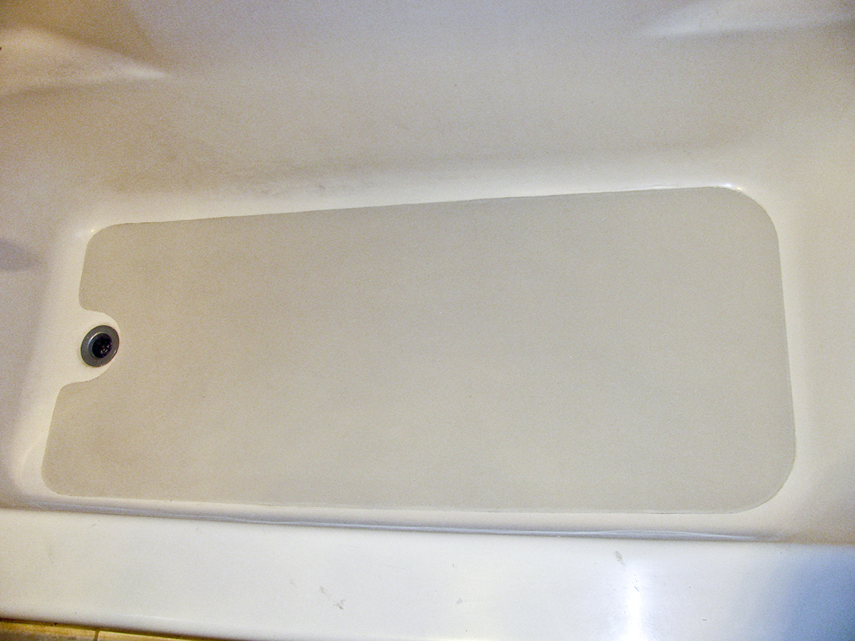 Austin TX Company Offering New Bathtub Crack Repair Service