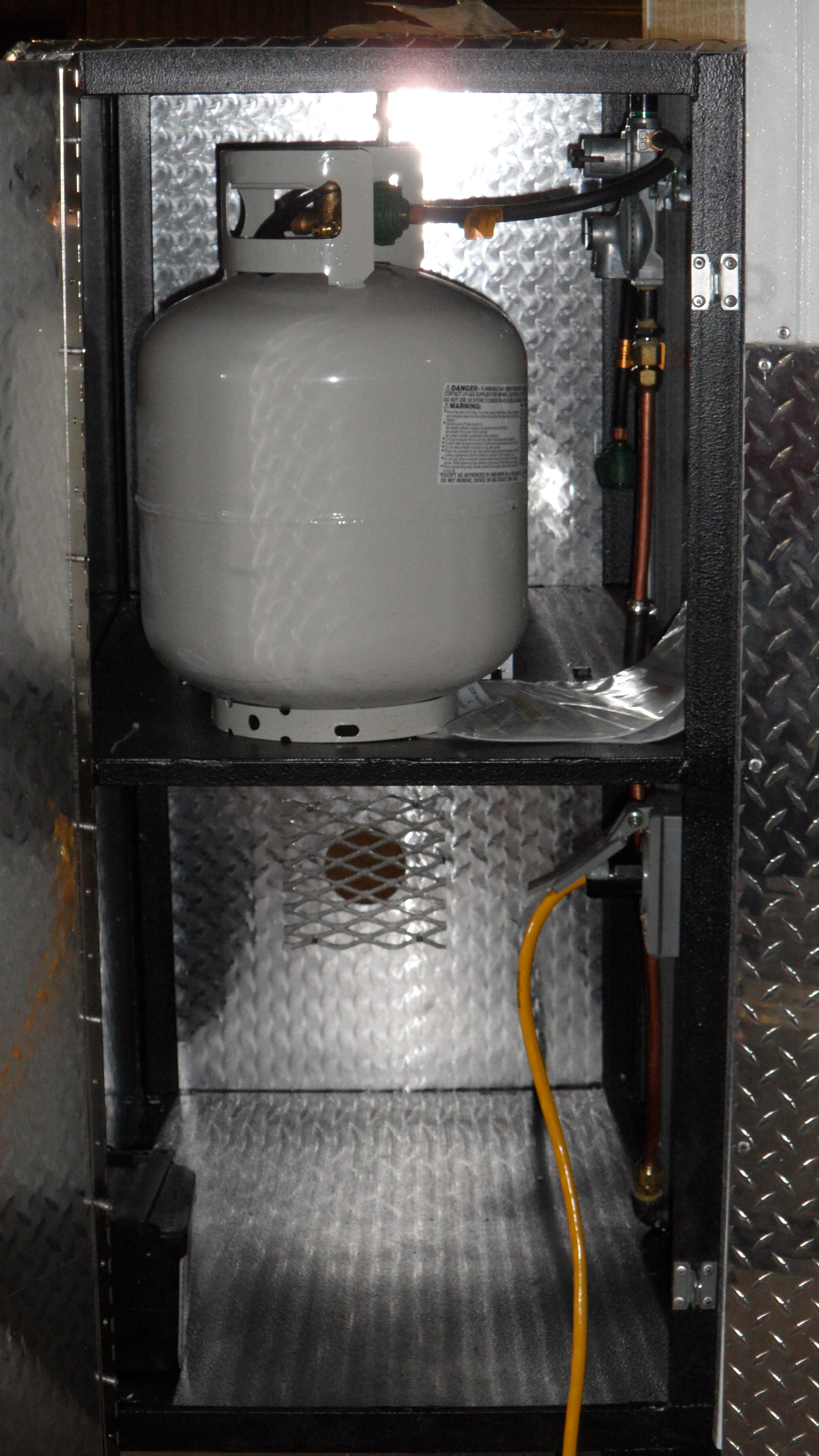 Mobile Bed Bug Heat Treatment Trailer Solves Bed Bug Problems Caused by Infested Returned