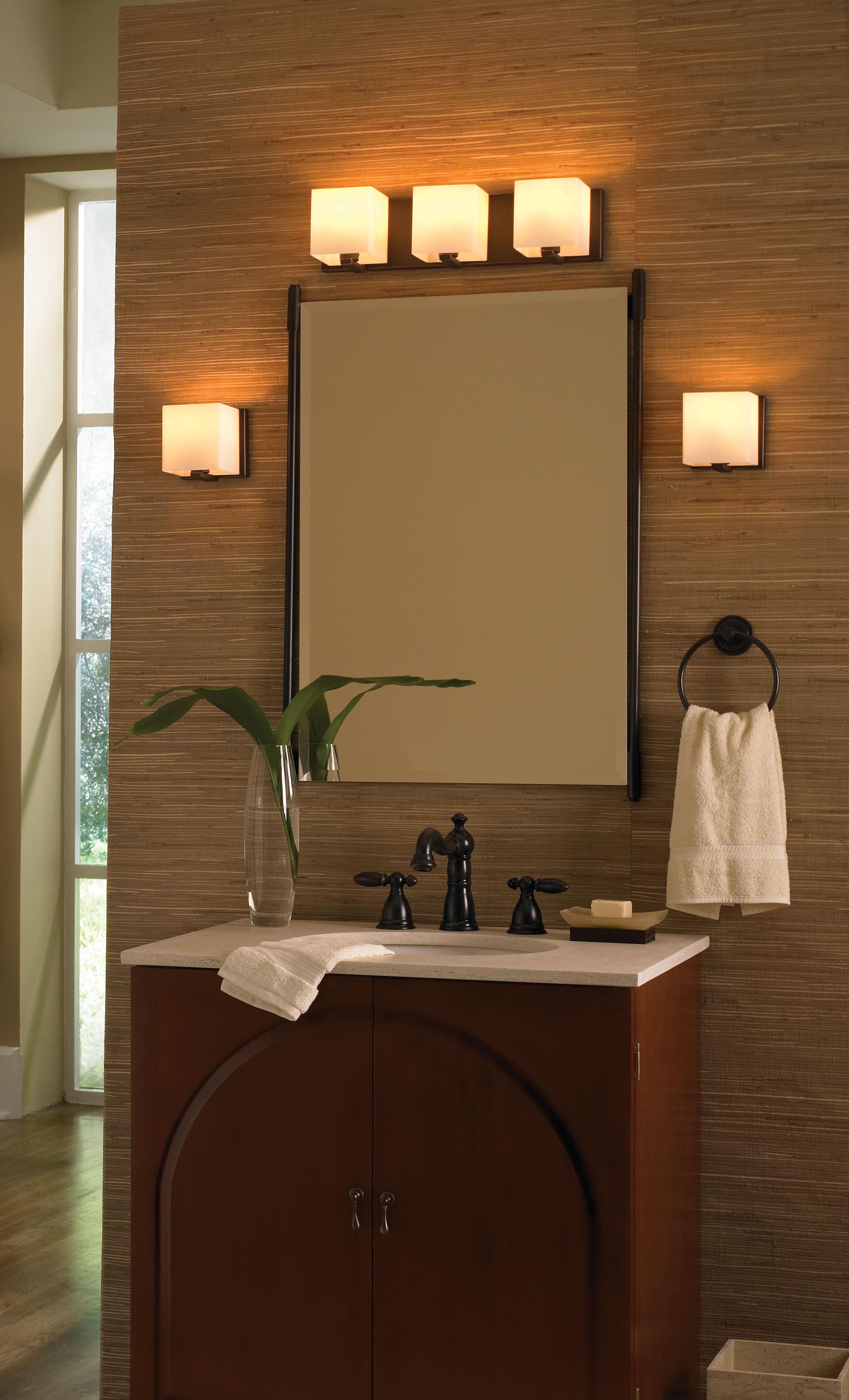 Lumenscom Highlights Favorites for Modern Bath Lighting