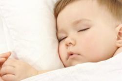Как отучить младенца от ночных кормлений