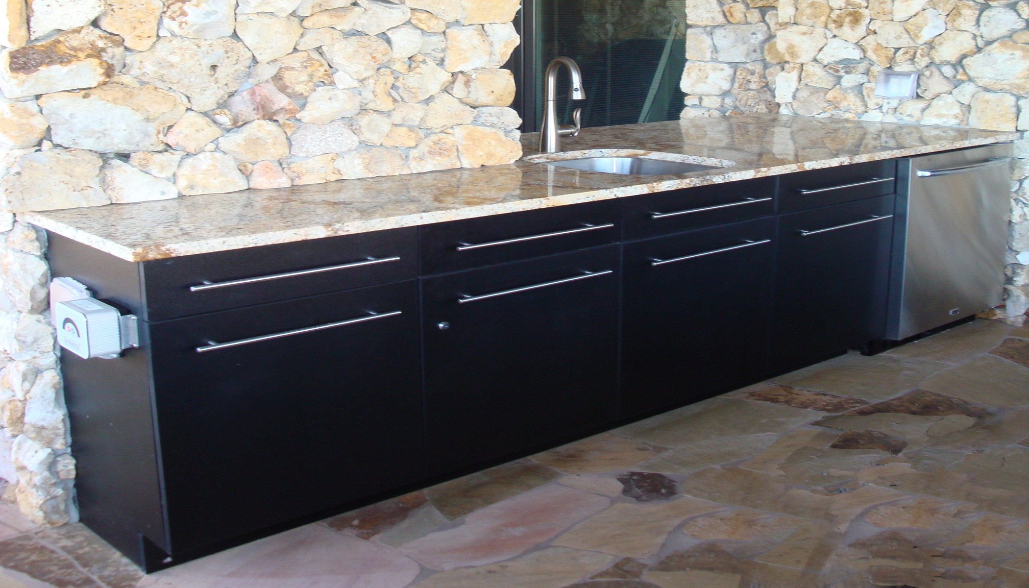 Outdoor Kitchen Experts See New Trends in Materials