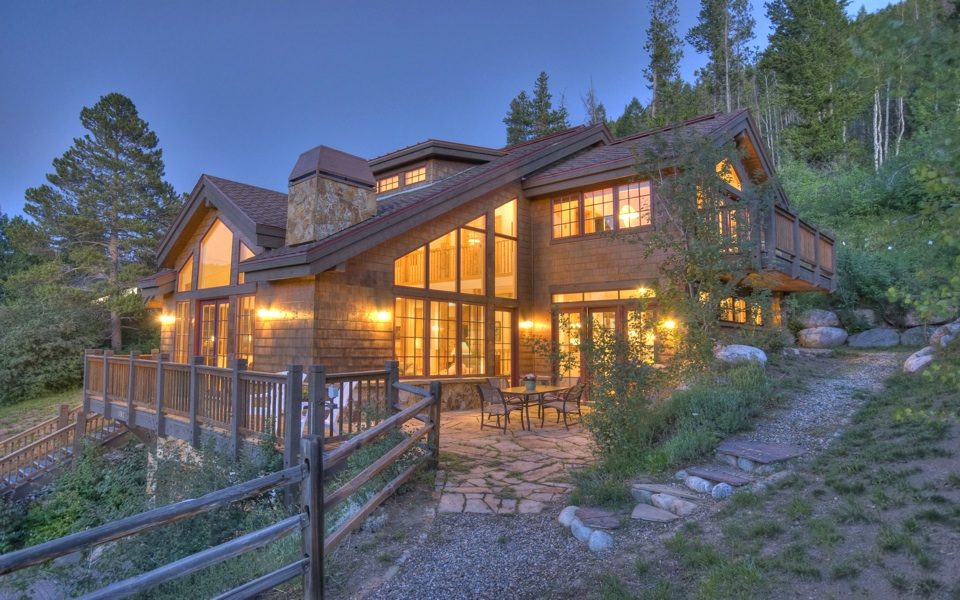 Eagle Vail Colorado Mountain Retreat Up For Absolute