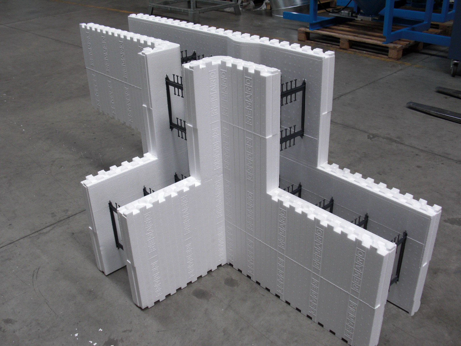 Reward Introduces the New 13 Tform Insulated Concrete Form to the iForm Product Line