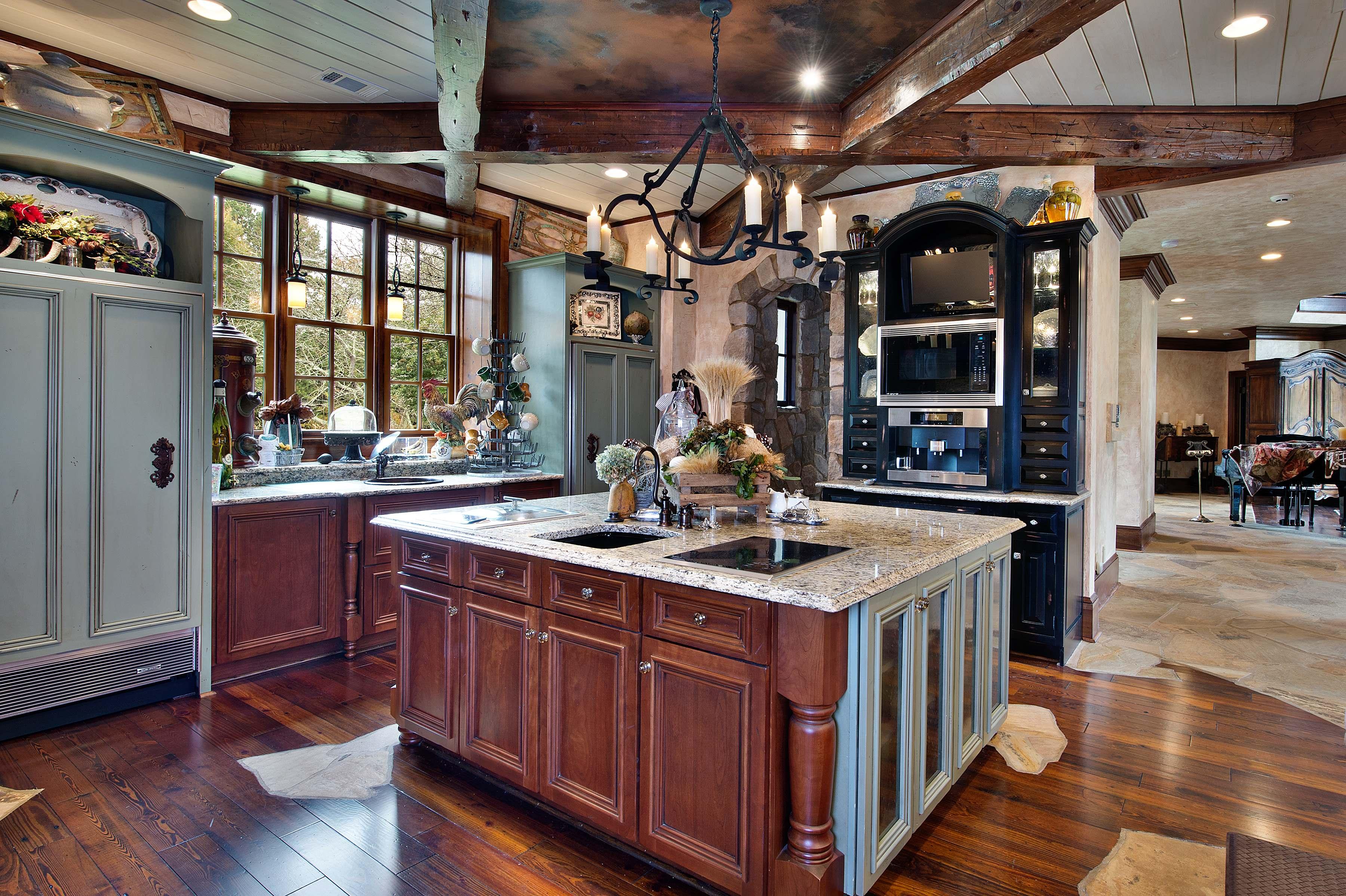 Buyer To Name Price For Atlanta Area Lake Lanier Waterfront Estate