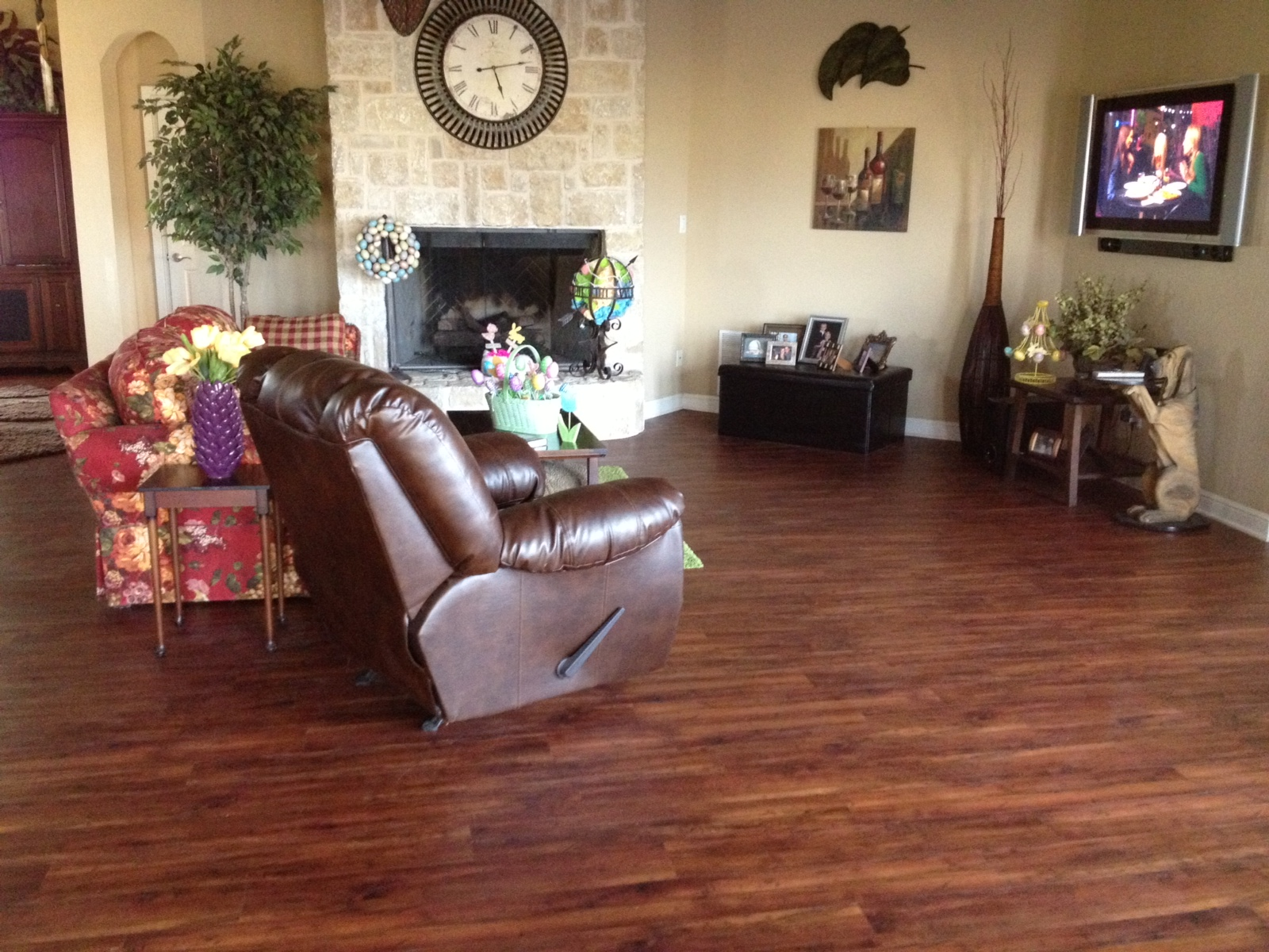 Dallas Flooring Warehouse Introduces Waterproof Click Lock