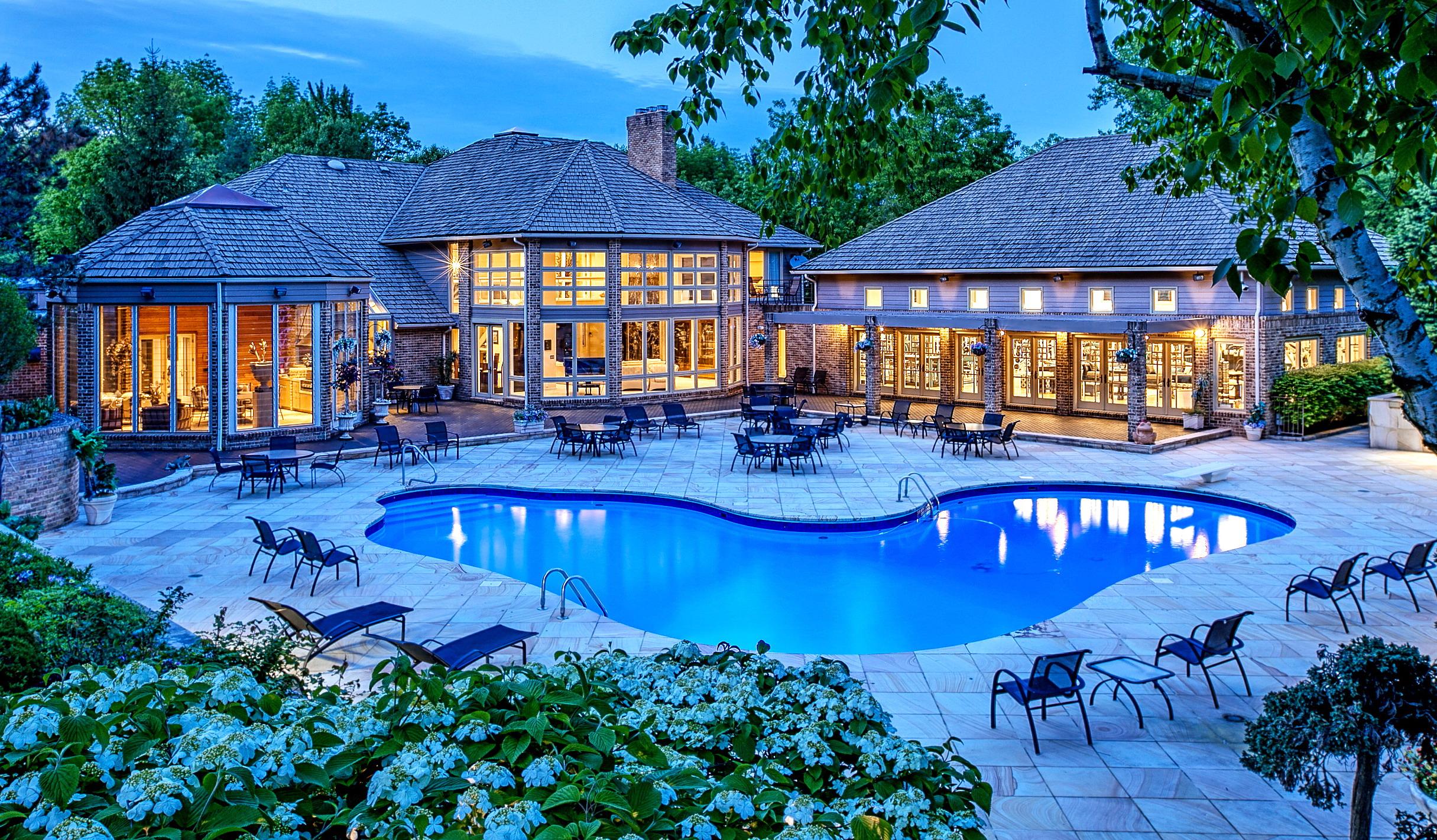 Moreland Hills Luxury Estate Offered Through Interluxe