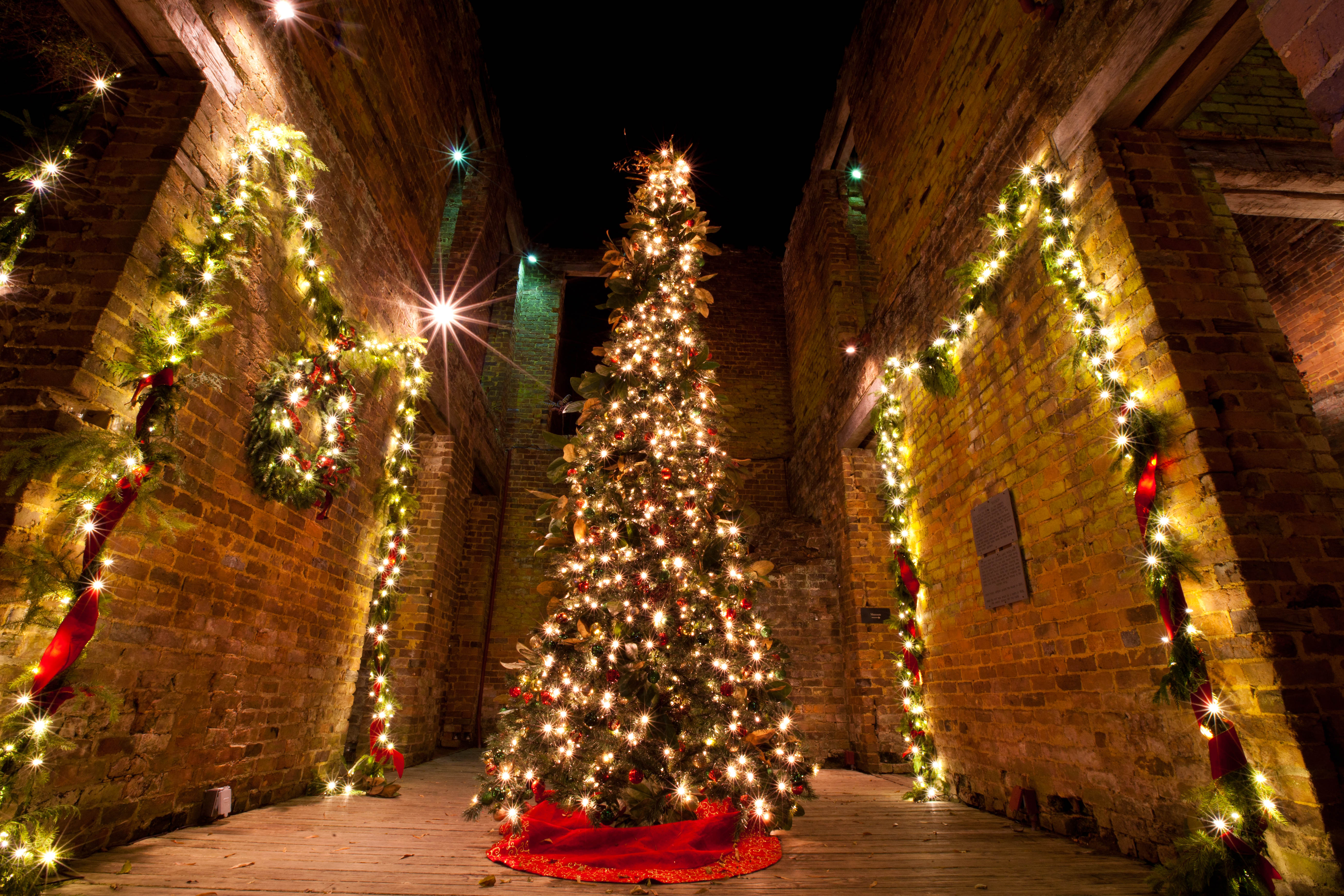 Light Up the Holidays at Barnsley Resort for a Festive