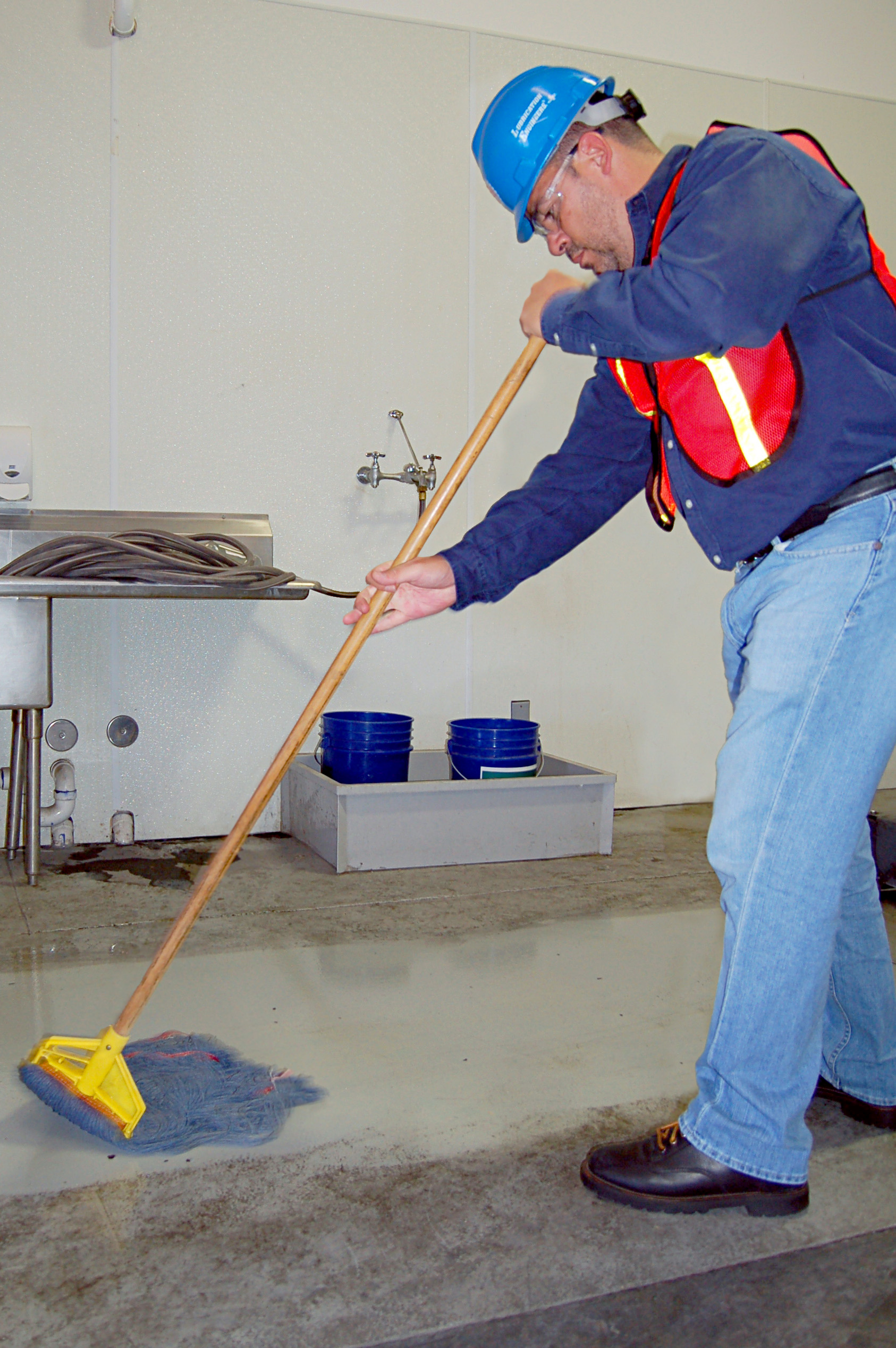 LE Introduces Greentastic Industrial Cleaner for Fast
