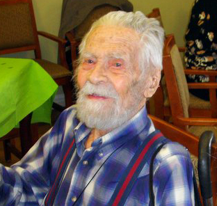 Supercentenarian 110 Years Old Stays Active with Volunteers from DOROT