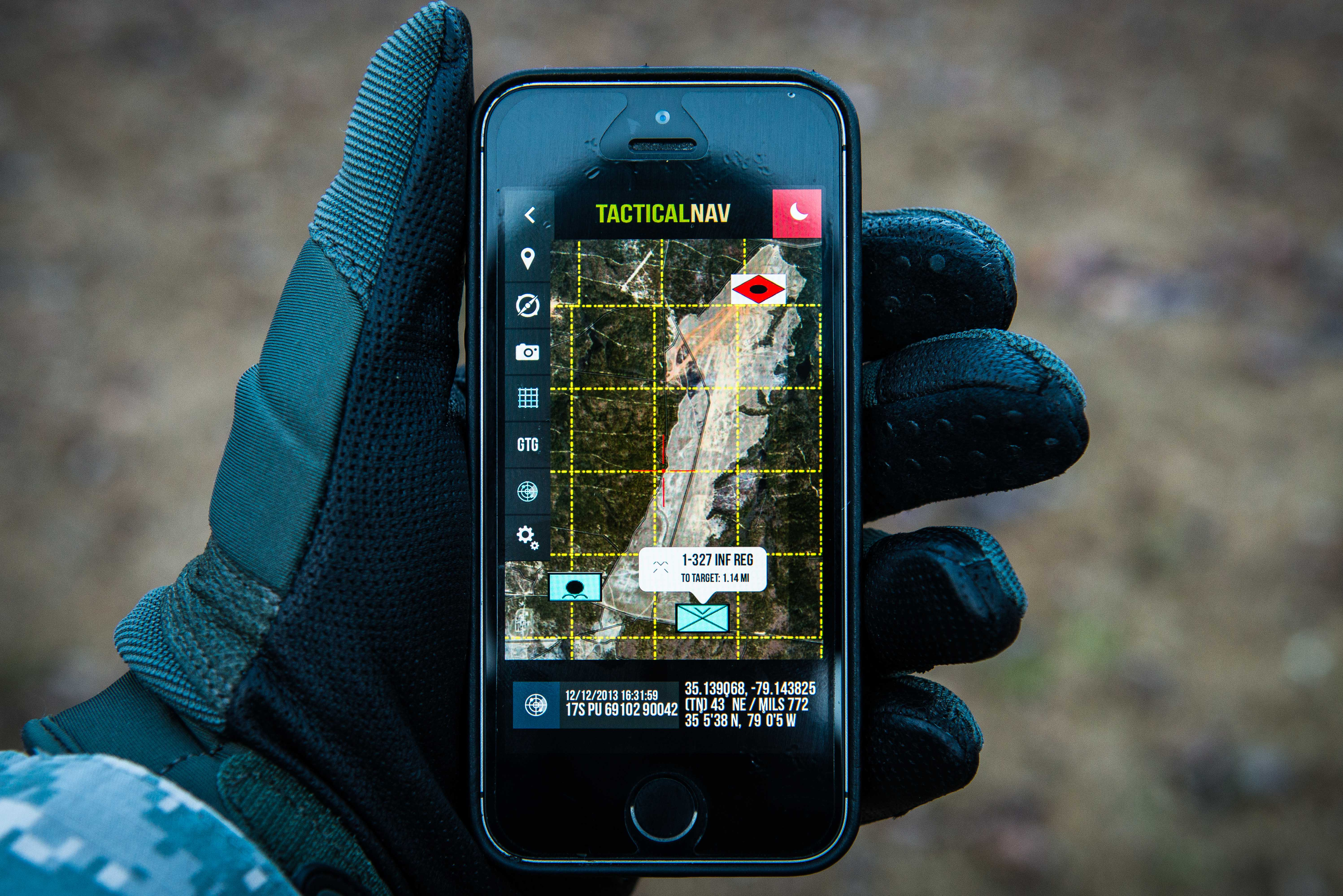 Military Pilots Using Appdaddy Technologies Tactical Nav