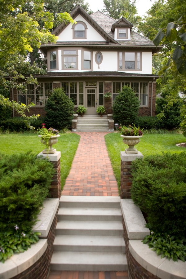 southview design offers easy landscaping