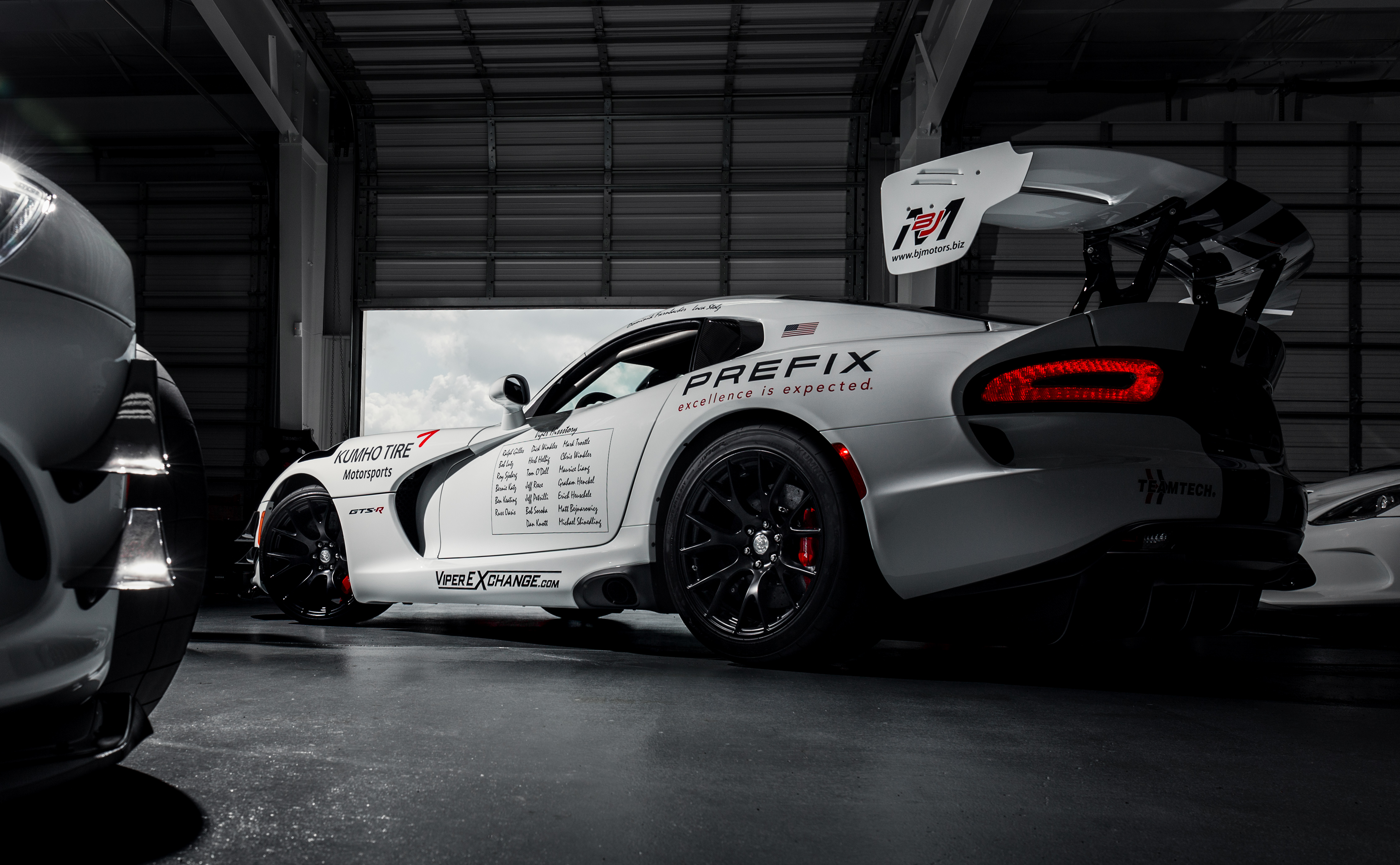Luxury Car Pictures Wallpaper Prefix Corporation Joins Effort To Take Viper Back To