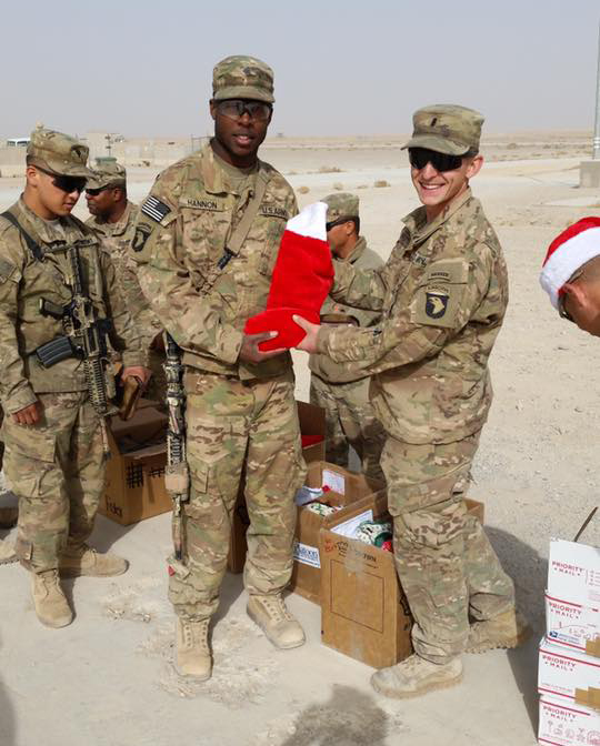 Soldiers Angels Collecting Holiday Cards Amp Stockings For