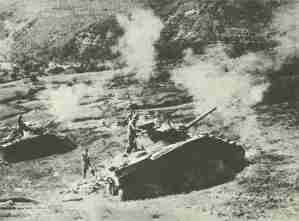 Shermans fire on Gothic line