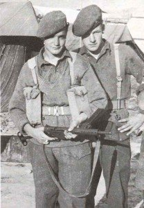 British soldiers with a Mk 2 Sten gun.