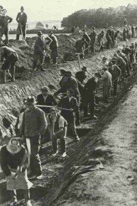 Digging of anti-tank ditches on the German borders