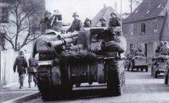 M7 105mm HMC moves through Haguenau