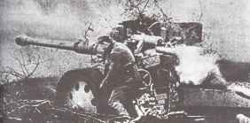 88 mm Pak 43/41 anti-tank gun in combat