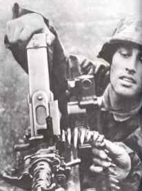 Flemings loading MG34